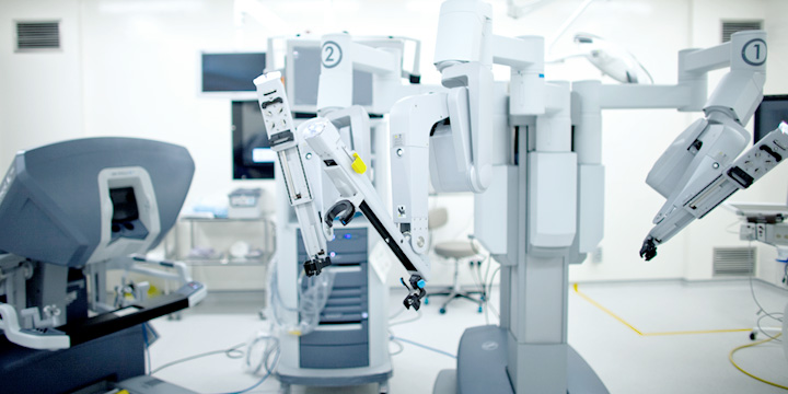 Singapore Fortis surgical Hospital da-Vinci-Robotic-Surgery equipment